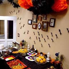 ハロウィン/ハロウィンパーティ/ビュッフェ/フラワーポンポン/アイディア ハロウィンパーティのビュッフェコーナー。…