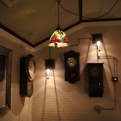 柱時計/配線/コード/ゼンマイ時計/廊下 電気の配線をデコレーション!  古い柱時…