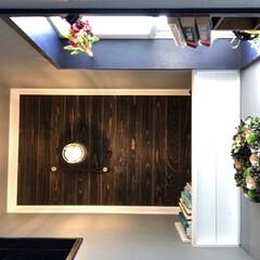 トイレ/狭い/DIY/モールディング/壁塗り 我が家は中古住宅てトイレがとても狭いです…