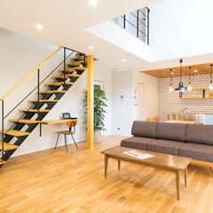 ロブスクエア/lobesquare/階段/スチール階段/デザイン階段/ストレートタイプ/... パイン色を基本としたナチュラルな空間にも…