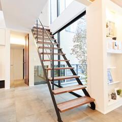 ステンレス階段/デザイン階段/空間/住まい/日当たり/ロブスクエア 埼玉県のビー・エル・ビルド様からの依頼で…