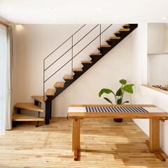 階段/スチール階段/ナチュラル/注文住宅/リノベーション/マイホーム/... ナチュラルな雰囲気にもよく馴染むデザイン…