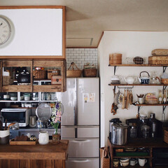 台所/飾り棚/キッチン/キッチン雑貨/インテリア/LIMIAインテリア部/... 久しぶりに引きでのキッチン☺️♥︎ 遠目…(1枚目)