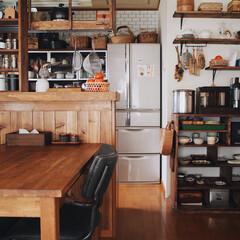 見せる収納/木の家/レトロ/飾り棚/漆喰壁/ラブリコ/... 我が家のダイニング☺️ この正面の部屋の…