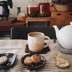 チョコ/クッキー/テーブルコーデ/おうちカフェ/おやつ時間/はじめてフォト投稿/... おやつ時間𖠚ᐝ グーテさんの紅茶のクッキ…