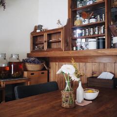 ダイニングテーブル/ガーベラ/賃貸/木の家/お花のある暮らし/DIY/... テーブルの上にお花があると それだけで華…