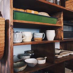 中村佳菜子/加藤恵津子/宇田令奈/rutawarawajifu/うつわ/作家さんの器/... この食器棚は 作家さんの器を並べたくてD…