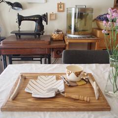 作家さんの器/ひつじのてしごと/レトロ/お花のある暮らし/流木/トレー/... お気に入りの木製トレーは 取っ手に流木を…