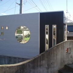 かっこいい/おしゃれ/事務所/タイニー/離れ ポイントは、デザインFIX窓。 外壁も縦…