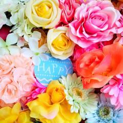Happy/造花/インテリア たくさん造花を集めて木箱に詰めてみました…