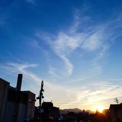 夕日/空 雲が踊ってる、きれいな空でした(。・ω・…
