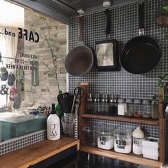 住まい/暮らし/100均収納/セルフリノベーション/DIY/台所道具/... こんにちは☆ キッチンのスパイスラックの…