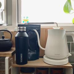 バルミューダ 電気ケトル バルミューダ ザ・ポット K02A-WH ホワイト | BALMUDA(電気ポット)を使ったクチコミ「おはようございます☺︎ キッチンに新しく…」(2枚目)