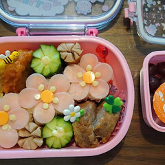 お花 春の花咲くお弁当☆幼稚園の教室でお友達と…