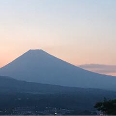 富士山/夕暮れ/令和元年フォト投稿キャンペーン/令和の一枚/至福のひととき/風景/... こんばんは✨ 今日の夕暮れ時の富士山🗻 …