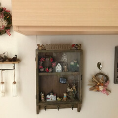 飾り棚/ドライフラワー/リース/雑貨/100均/セリア/... 玄関 以前アップした玄関壁の反対側 コの…