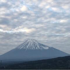 夕暮れ時/富士山/令和の一枚/至福のひととき/LIMIAおでかけ部/おでかけ/... 今日は所用で外出 帰りに見えた富士山🗻