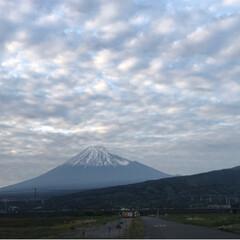 夕暮れ時/富士山/令和の一枚/至福のひととき/LIMIAおでかけ部/おでかけ/... 今日は所用で外出 帰りに見えた富士山🗻 (2枚目)