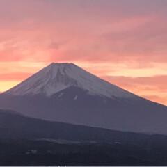 夕暮れの富士山/夕暮れの空/夕暮れの景色/春のフォト投稿キャンペーン/ありがとう平成/令和の一枚/... 今日の夕暮れ時の富士山🗻  日勤が終わり…