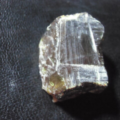 スマトラ産/琥珀/ブルーアンバー スマトラ産琥珀の原石です