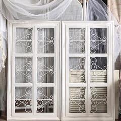 アイアン/ハンドメイド/窓枠DIY/フレンチカントリー/シャビー/アンティーク風/... 窓枠2点作成しました。 インスタよりご連…