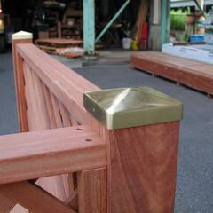 ポストキャップ/真鍮製/木製フェンス/腐食防止/美感向上 フェンス支柱の切り口にかぶせて腐食防止す…