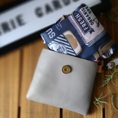 エコバックケース/レザークラフト/ハンドメイド/エコバッグ/IRIEGarden/leathercraft/... レジ袋有料なのを忘れて 牛乳などを手に持…(2枚目)