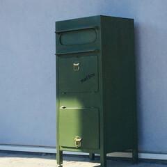 アンティーク風/玄関/玄関ポーチ/メールボックス オシャレなメールボックス 一番下は宅配ボ…