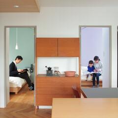 個人邸リノベーション 色の効果的な使い方。床の張り分けもポイン…
