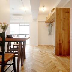 リノベーション賃貸 オーク材とタイルで仕上げた室内