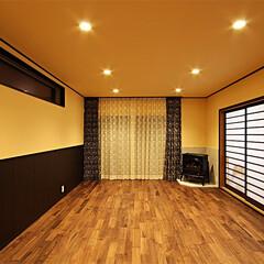 ウォールナット/無垢/リビング 床材に無垢材のウォールナット(世界三大銘…