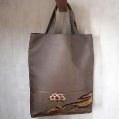 ハンドメイド/着物リメイク/手作りバッグ/創作バッグ/霧夢桜/キモノ着るなら/... 【霧夢桜】袋帯で作ったトートバッグ(A4…