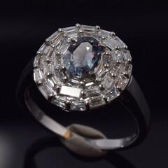 アレキサンドライトリング/オリジナルリング ティーパーのダイヤモンドを円形になるよう…