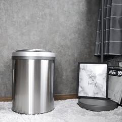 100均リメイク/楽天Roomに載せてます/ゴミ箱/簡単/雑貨/暮らし/... ゴミ箱を新調しました! 自動で蓋が開くの…