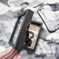 腕時計収納/ダニエルウェリントン/収納アイデア/フォロー大歓迎/Instagram @maaco.uw/楽天Roomに載せてます/... 両面写真立てを2枚使っているので、どちら…
