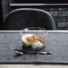 カルビー フルグラ 800g 1セット(バランス栄養、栄養調整食品)を使ったクチコミ「朝ごはんにフルグラ! そんな時にもこの器…」