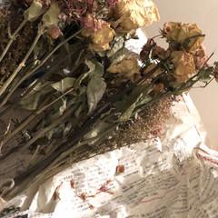 ハンギングネット/インテリア/ハンドメイド/100均/ダイソー/花/... 卒業、転勤など お祝いに頂いた花束をドラ…(3枚目)