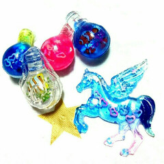 電球オブジェ/ハンドメイド/レジン/雑貨/100均/ダイソー/... 娘がレジンで💡電球とペガサス作りました❤…