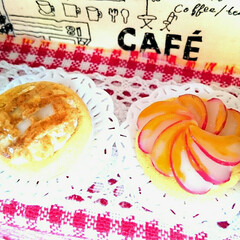 手作り雑貨/ハンドメイド雑貨/ハンドメイド/ミニチュアイチゴのケーキ/ミニチュアチェリータルト/ミニチュアアップルタルト/... 娘がミニチュアパン作りにはまっているので…(1枚目)