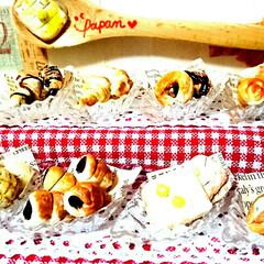 ハンドメイド/ミニチュアパン/ミニチュアフード/ミニチュアパン屋さん/ミニチュア/DIY/... 娘がミニチュアパン屋さんを製作中ヽ(*´…(2枚目)