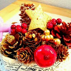 まつぼっくり/手作り/クリスマス/インテリア/ハンドメイド/雑貨 クリスマスの飾り作りました❤馬のビーズが…