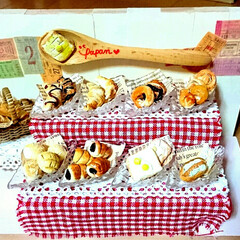 ハンドメイド/ミニチュアパン/ミニチュアフード/ミニチュアパン屋さん/ミニチュア/DIY/... 娘がミニチュアパン屋さんを製作中ヽ(*´…(1枚目)