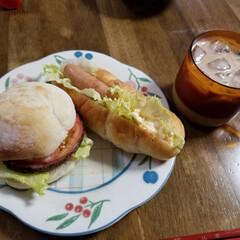 サラダうどん/サンドイッチ/お弁当/おうちごはん おはようございます☔  今日は朝から雨降…(1枚目)