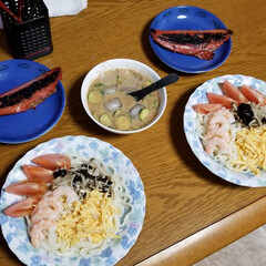 サラダうどん/サンドイッチ/お弁当/おうちごはん おはようございます☔  今日は朝から雨降…(2枚目)