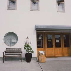 """逗子/葉山/コーヒー/パン屋/カフェ/旅行/... 葉山にある""""三角屋根パンとコーヒー""""☕️…"""