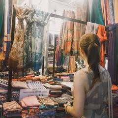 マーケット/ストール/布/カラフル/カンボジア/海外旅行/... カンボジアのマーケット🇰🇭 カラフルな布…