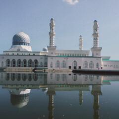 ボルネオ島/モスク/マレーシア/海外旅行/フォロー大歓迎/おでかけ/... ボルネオ島のモスク🕌 水に移る姿が良かった
