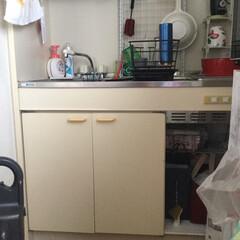 キッチン/ダイソー/一人暮らし 狭いキッチン。 料理しないけど雰囲気だけ…(2枚目)