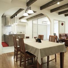 住宅/間取り図/マイホームが欲しい/塗り壁/無垢の家/LDKの広さ/... プロヴァンスを感じる梁見せ天井とア…