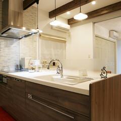 住宅/間取り図/マイホームが欲しい/塗り壁/無垢の家/LDKの広さ/... プロヴァンスを感じる梁見せ天井とア…(2枚目)
